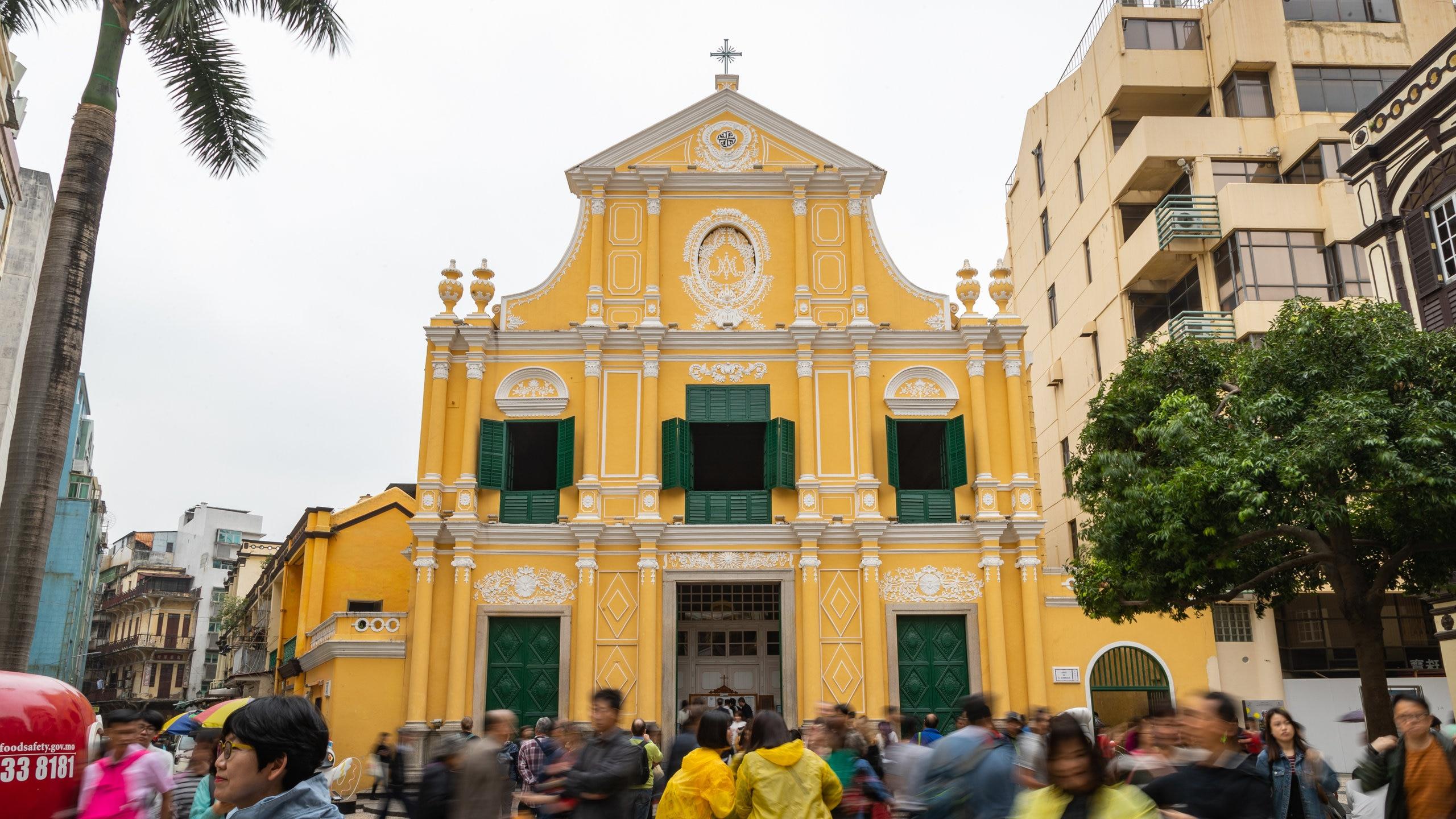 Cari tahu sejarah dari Pusat Sejarah Macau saat Anda meluangkan waktu di Gereja St. Dominic. Jelajahi pilihan hiburan dan kasino di area kaya budaya ini.