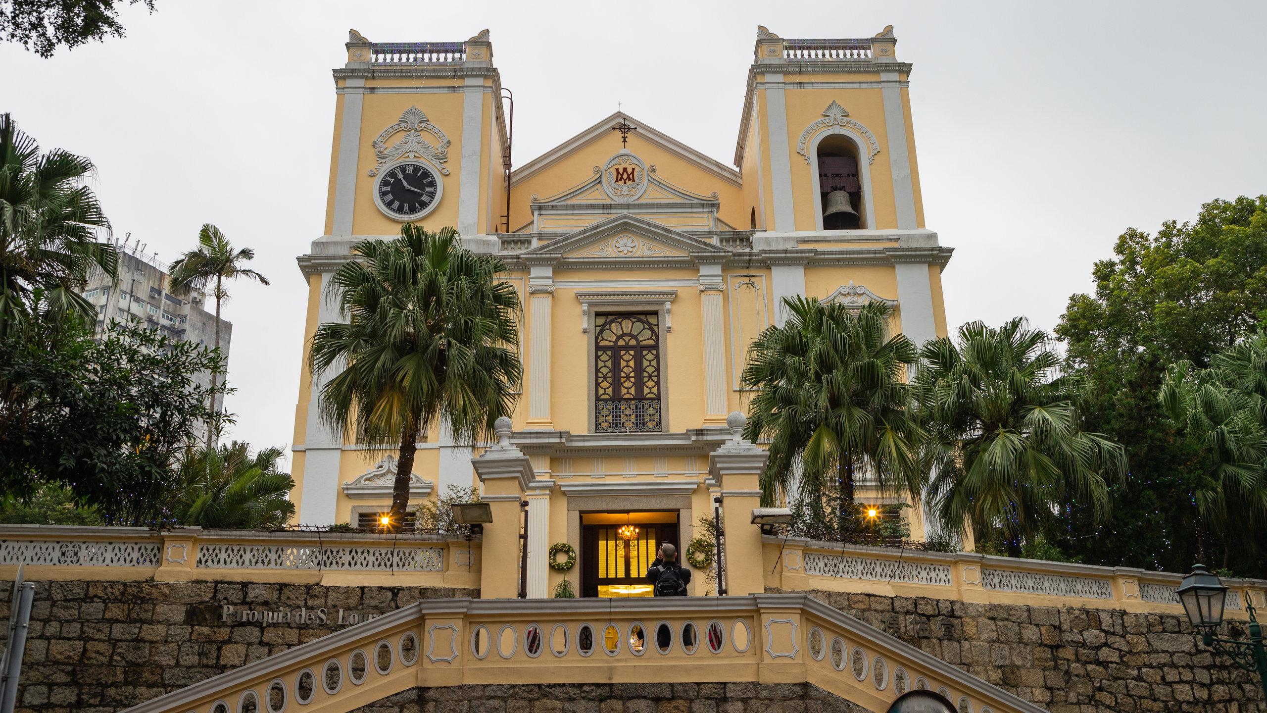 Cari tahu sejarah dari Pusat Sejarah Macau dengan mampir ke Gereja St. Lawrence. Jelajahi pilihan hiburan dan kasino di area kaya budaya ini.