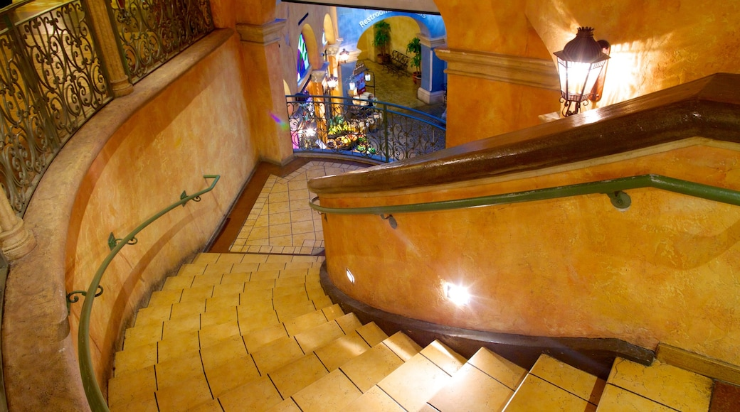 Quarter at Tropicana featuring interior views