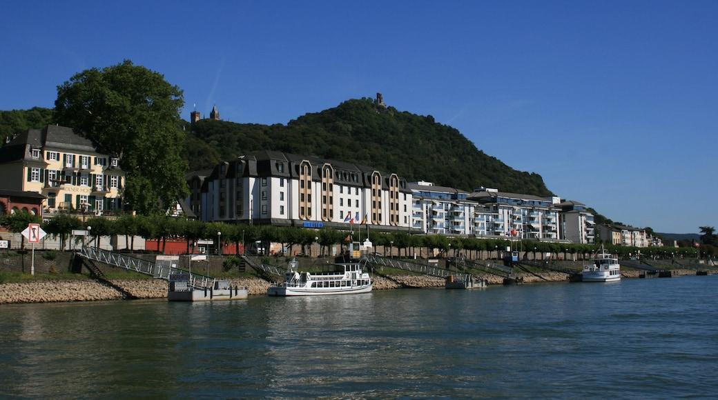 Königswinter das einen Bucht oder Hafen, Bootfahren und Küstenort