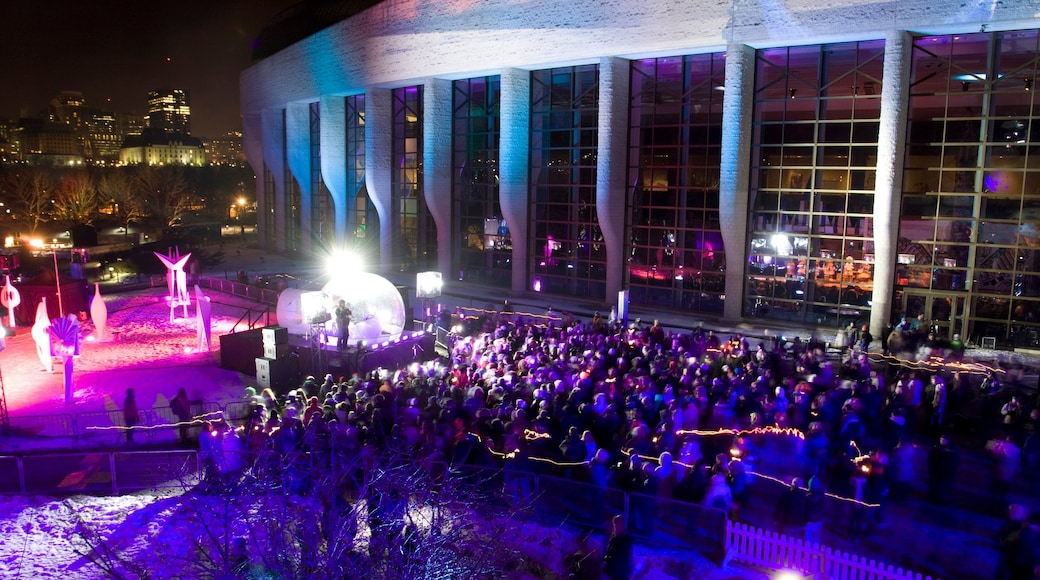Canadian Museum of History featuring night scenes, nightlife and performance art