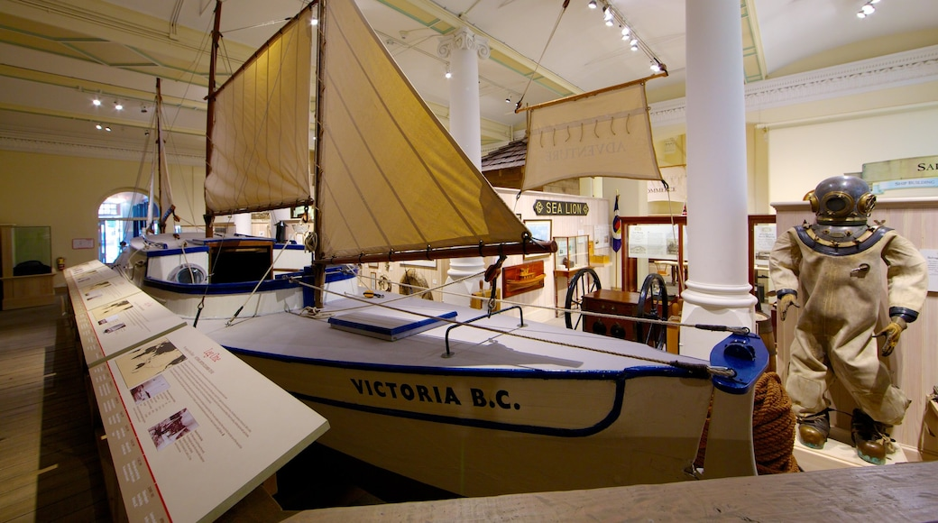 Victoria featuring interior views