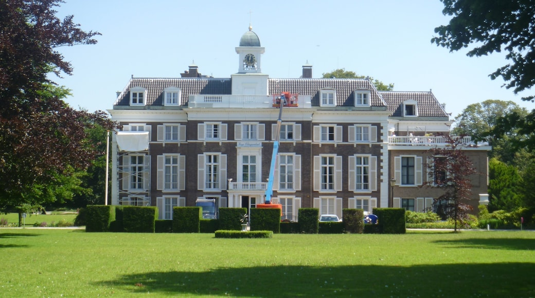 Park Clingendael which includes a garden and heritage architecture