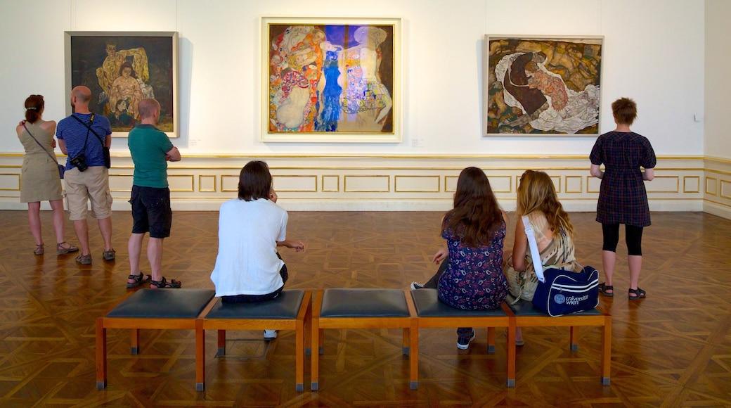 Belvedere bevat interieur en kunst en ook een klein groepje mensen