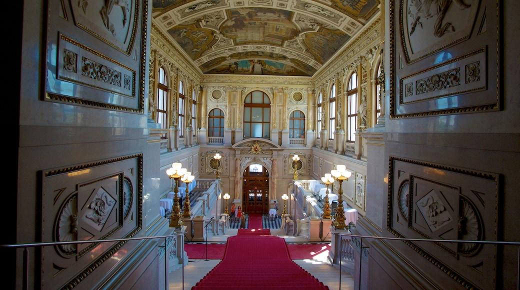 Burgtheater bevat interieur, een kasteel en historische architectuur