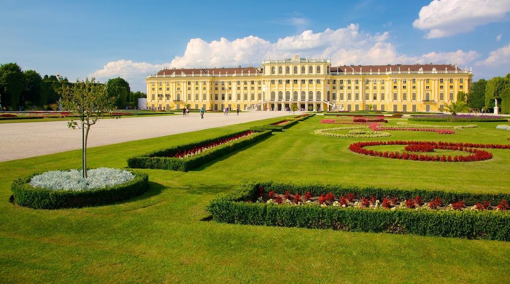 Schloss Schönbrunn inclusief historische architectuur, een stad en een park