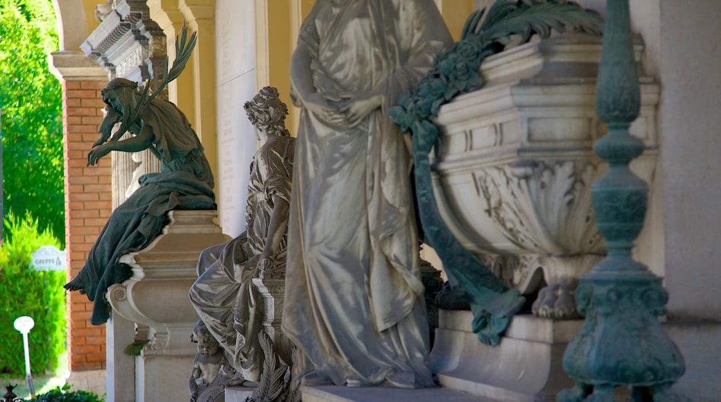 Wiener Zentralfriedhof toont een begraafplaats, een standbeeld of beeldhouwwerk en historische architectuur