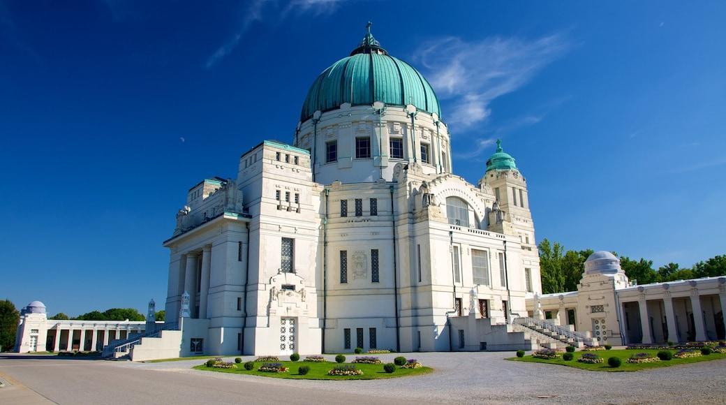 Wiener Zentralfriedhof toont historische architectuur en een begraafplaats