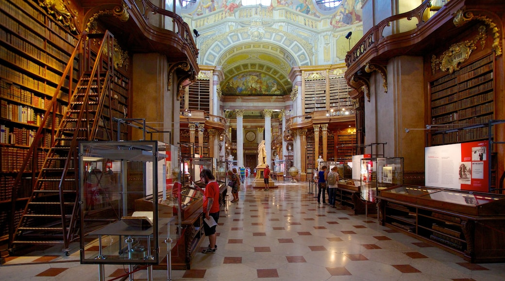 Österreichische Nationalbibliothek mit einem Verwaltungsgebäude, historische Architektur und Innenansichten