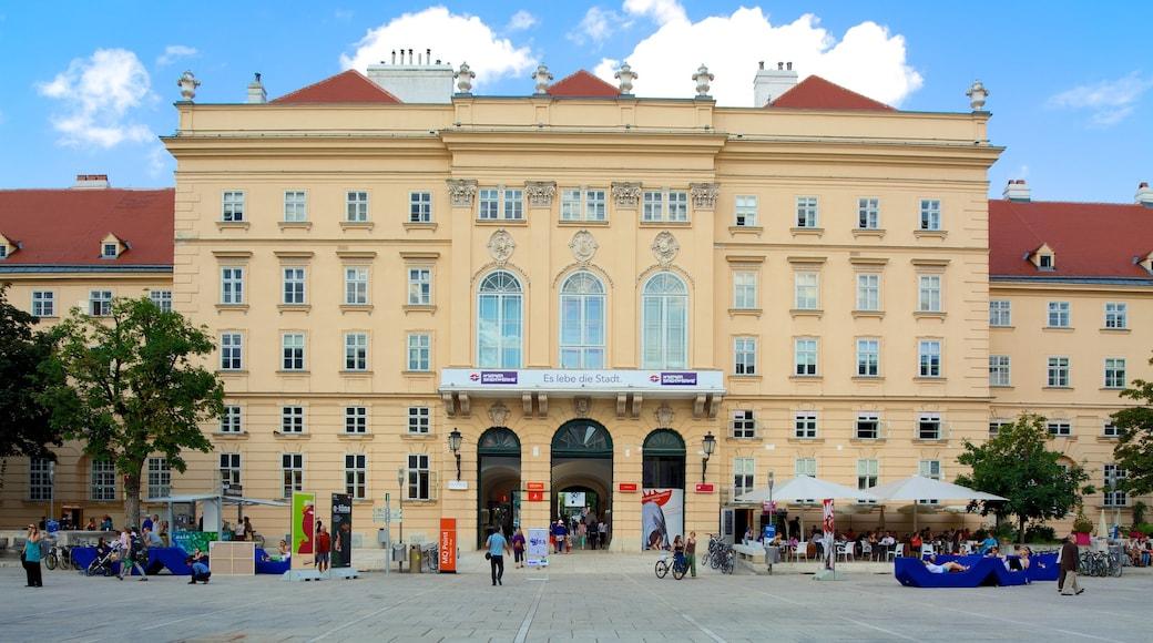 MuseumsQuartier mit einem Stadt, historische Architektur und Straßenszenen
