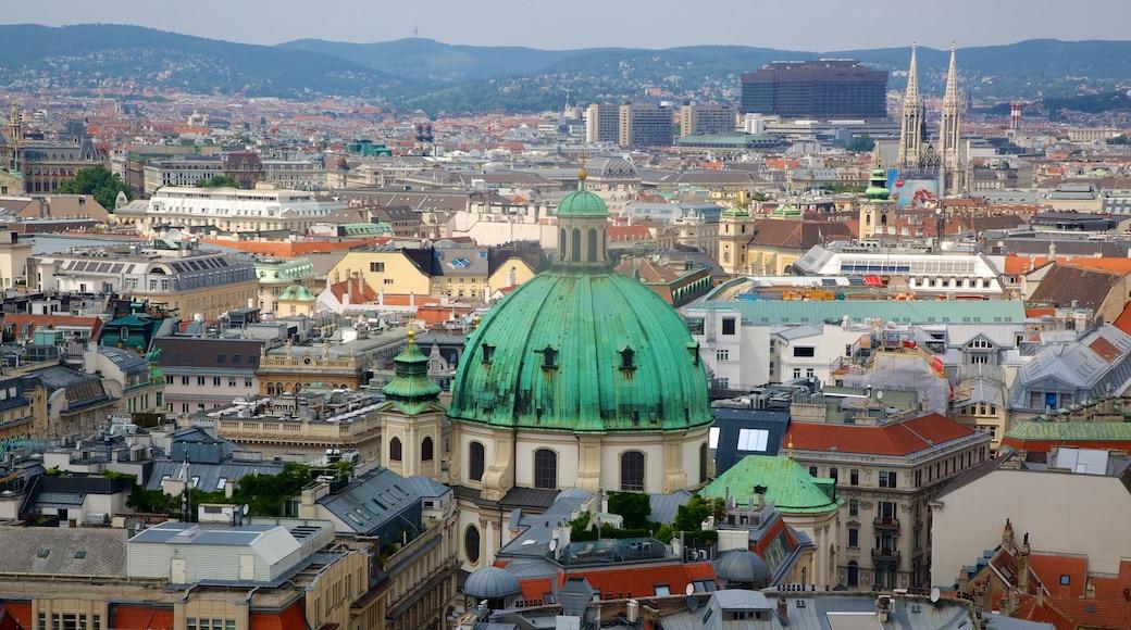 Stephansdom bevat historische architectuur, een stad en vergezichten