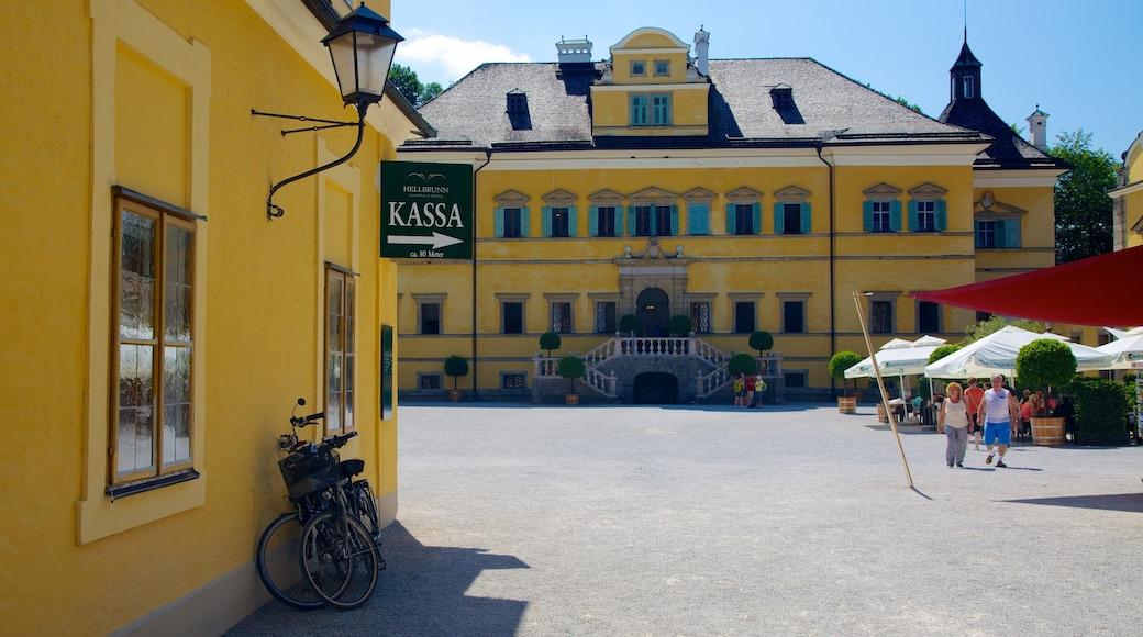 Schloss Hellbrunn mit einem Palast oder Schloss, Platz oder Plaza und historische Architektur