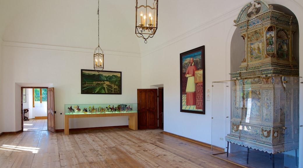 Schloss Hellbrunn mit einem Innenansichten und Kunst