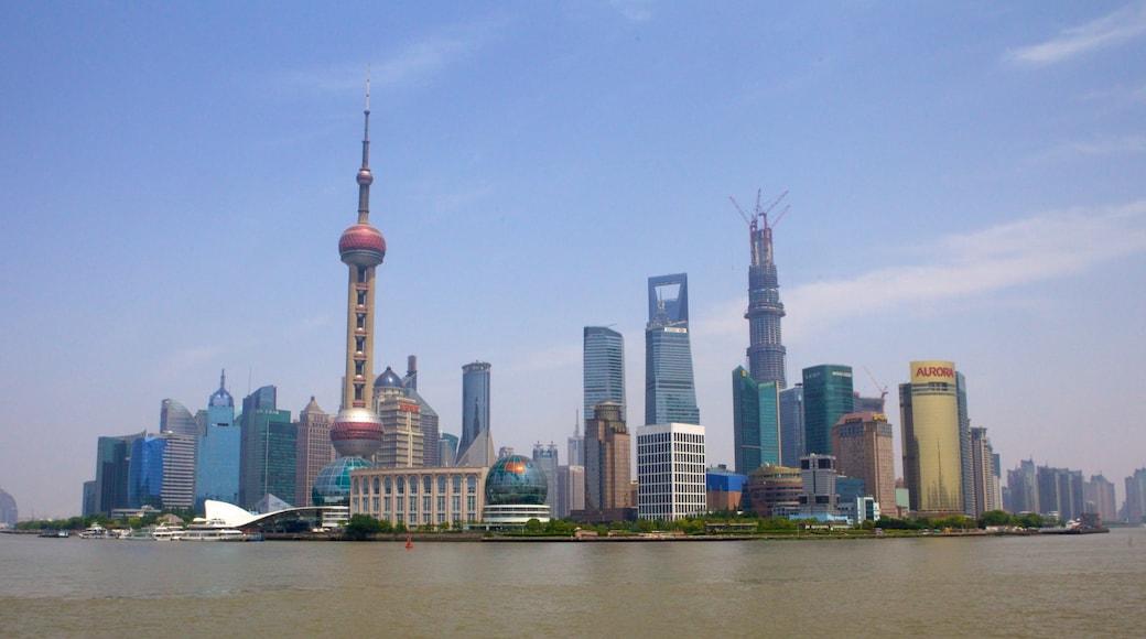 上海 呈现出 現代建築, 河流或小溪 和 山水美景