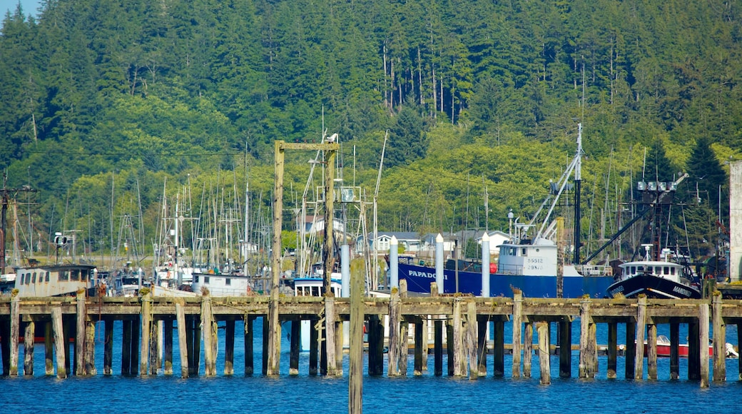 Neah Bay which includes a bay or harbour, a marina and boating