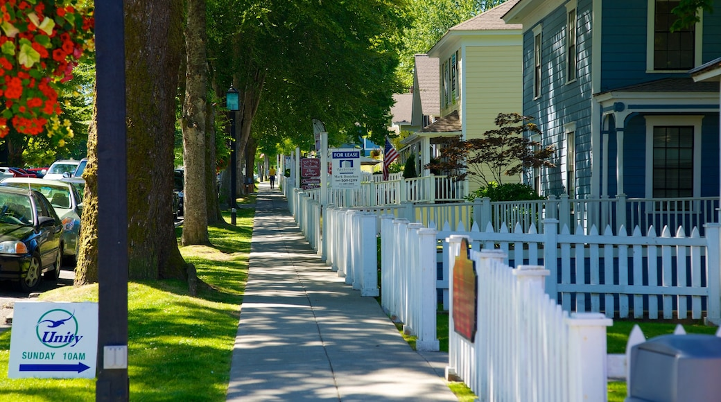 Port Gamble which includes a small town or village, a house and street scenes
