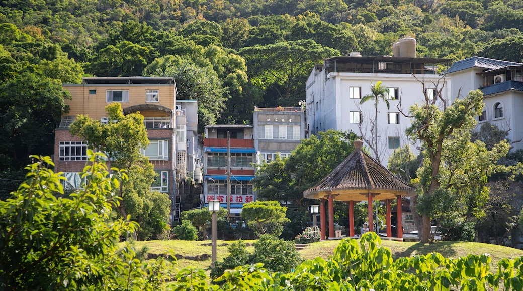 Beitou featuring a small town or village and a garden