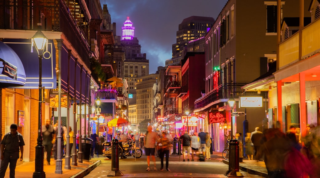 Bourbon Street which includes street scenes, nightlife and a city