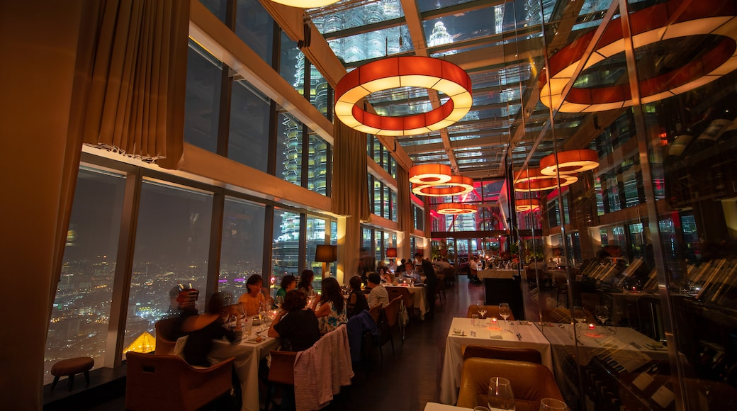 Kuala Lumpur showing interior views and dining out