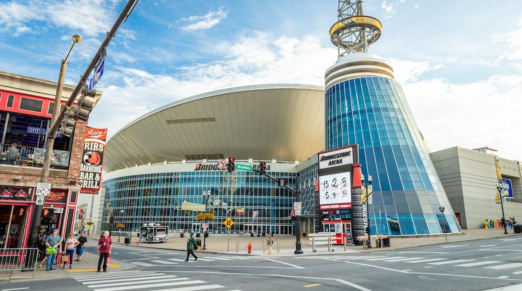 Bridgestone Arena showing modern architecture, street scenes and a city