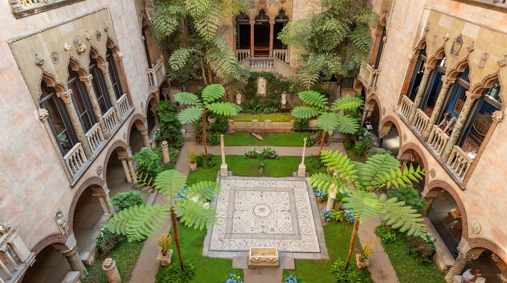 Isabella Stewart Gardner Museum featuring a garden and heritage elements