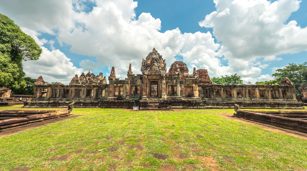 Sukhothai Historical Park which includes heritage architecture