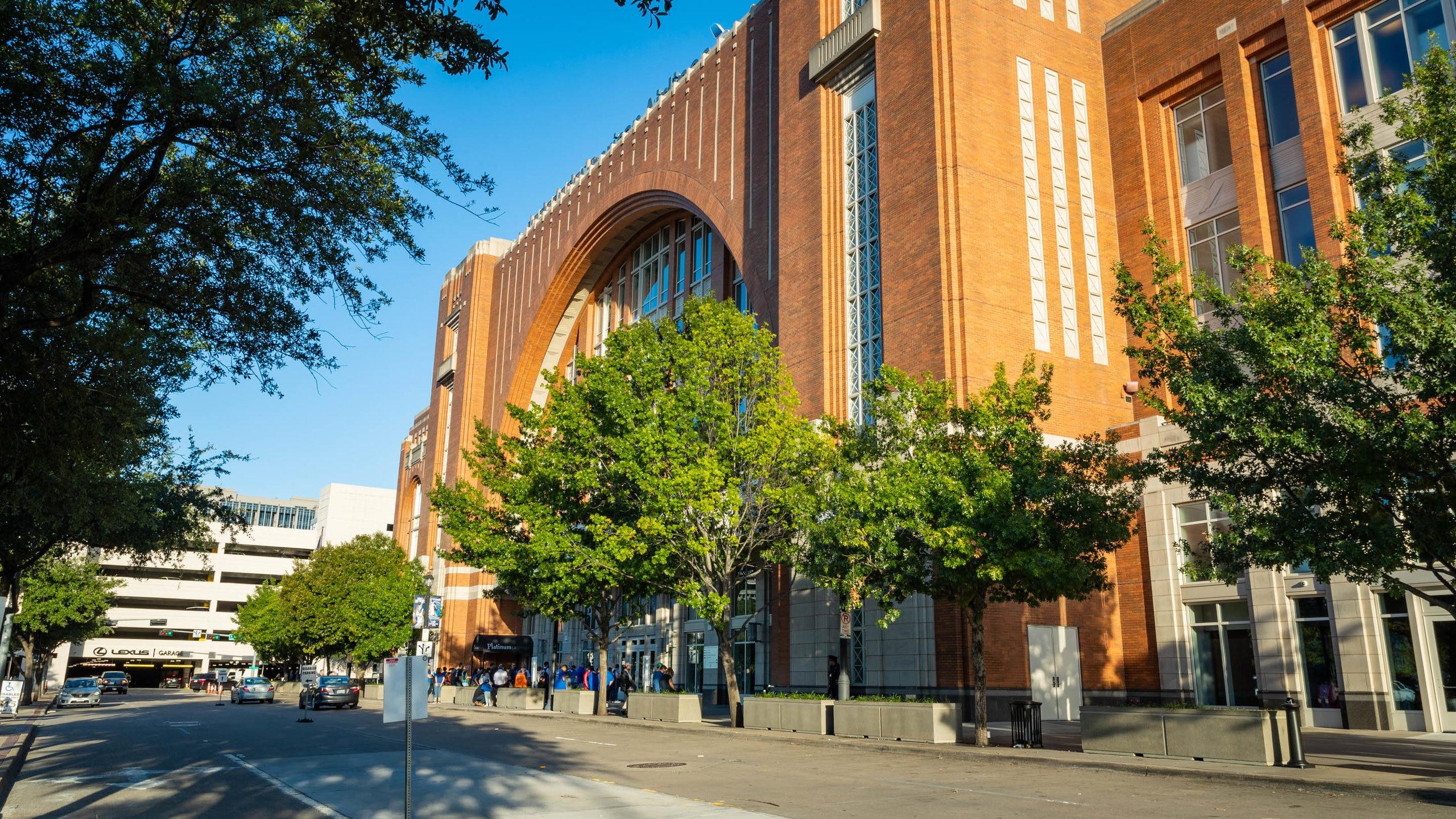 Nutzen Sie während Ihres Urlaubs in Oak Lawn die Chance, um eine Veranstaltung in American Airlines Center hautnah zu erleben. Erleben Sie die Museen und die Theaterszene in dieser lebhaften Gegend.