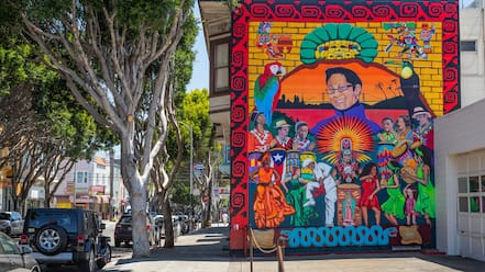 Mission District which includes outdoor art