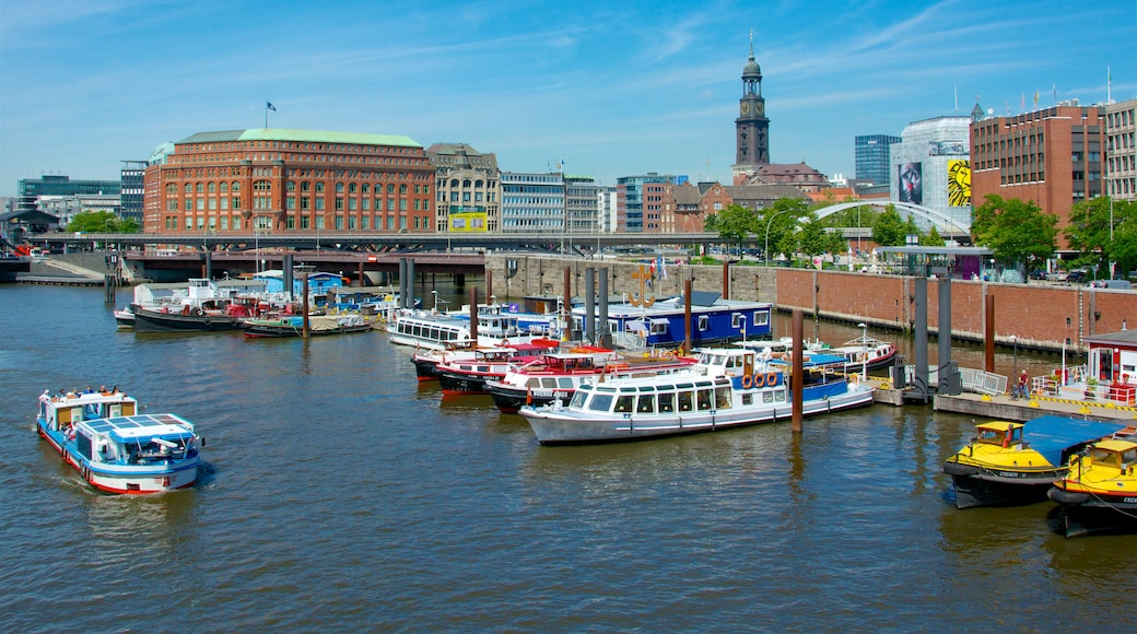 Hamburg showing a bay or harbor