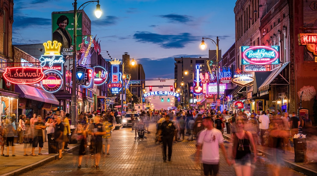 Beale Street showing nightlife, night scenes and street scenes