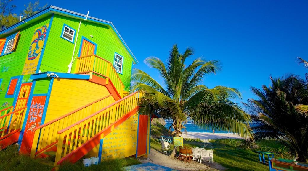 Silver Sands Beach welches beinhaltet Strand, tropische Szenerien und Haus