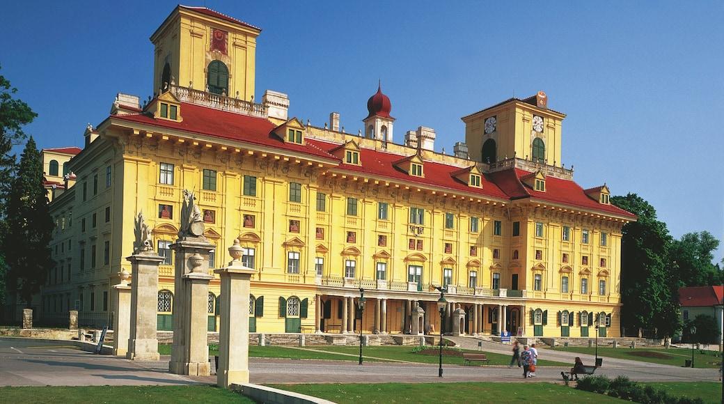 Eisenstadt mostrando elementos de patrimônio, um castelo e arquitetura de patrimônio