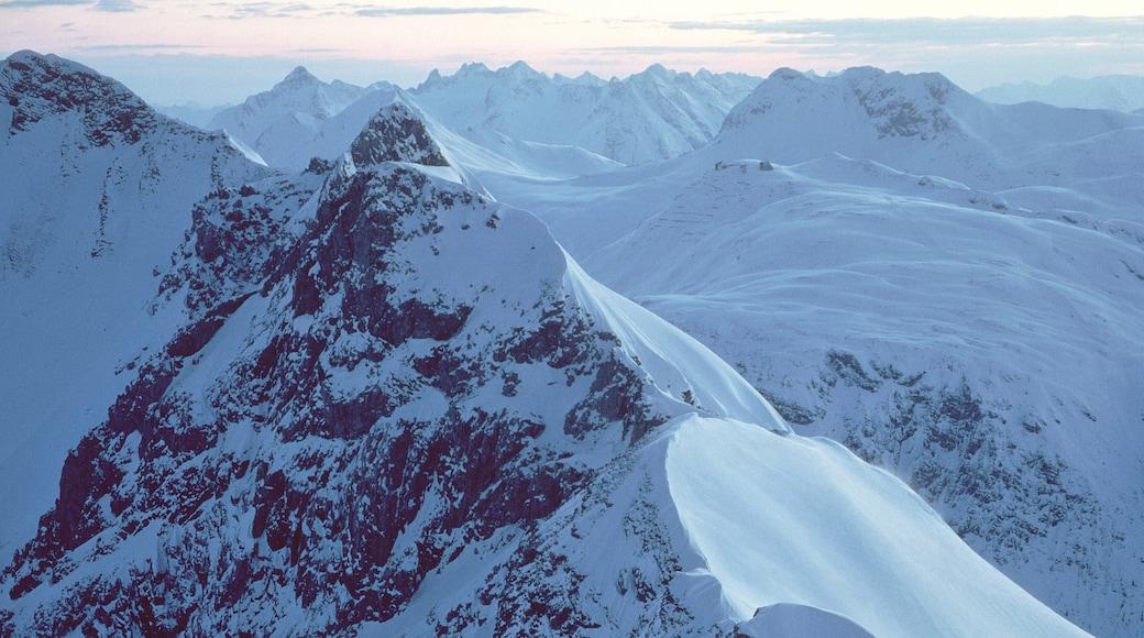 Lech am Arlberg welches beinhaltet Berge, Landschaften und Schnee