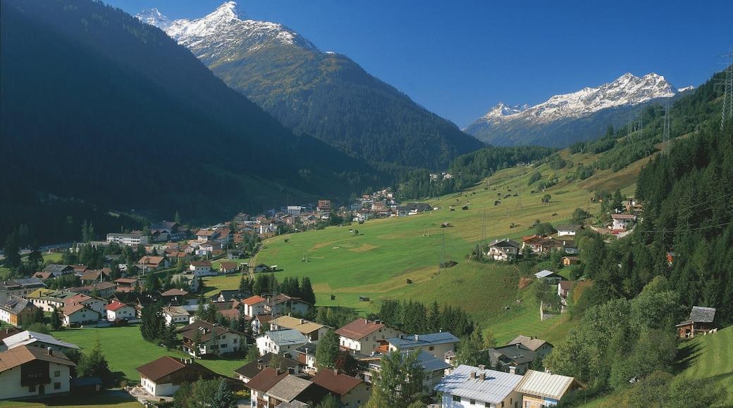 Lech am Arlberg mit einem Landschaften, ruhige Szenerie und Kleinstadt oder Dorf