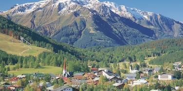 Seefeld in Tirol das einen Landschaften, Berge und Kleinstadt oder Dorf