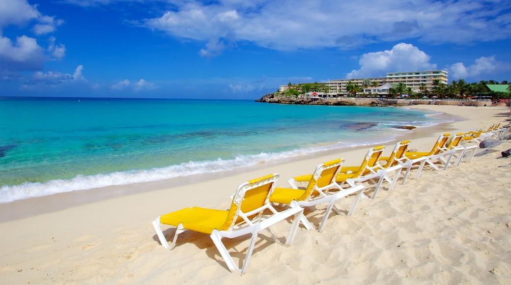 Maho Reef mostrando uma praia de areia