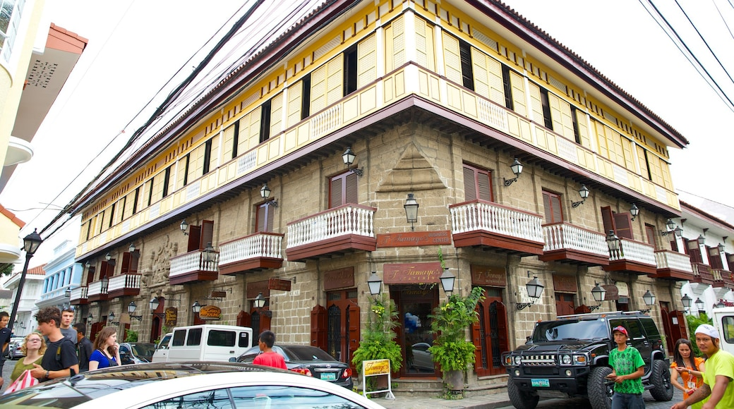 Casa Manila Museum showing street scenes