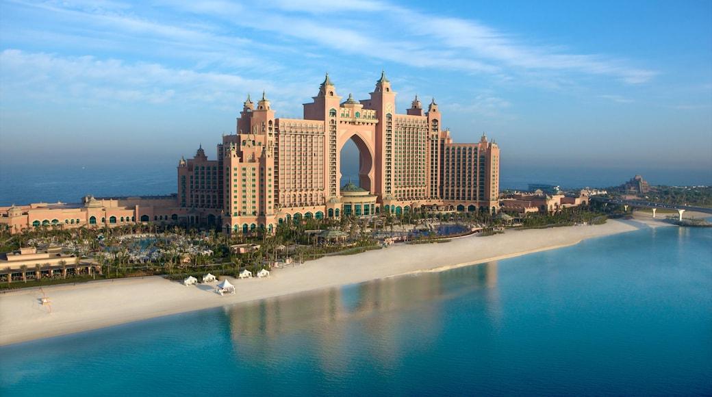 Emirato di Dubai mostrando hotel di lusso o resort, spiaggia e vista della costa