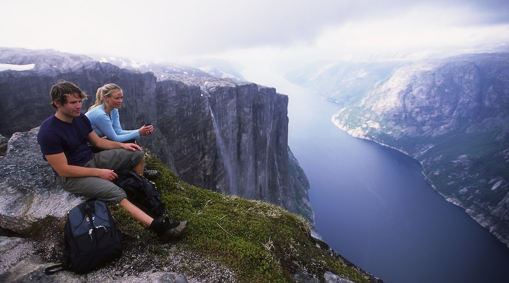 Kjerag showing a gorge or canyon, mountains and views