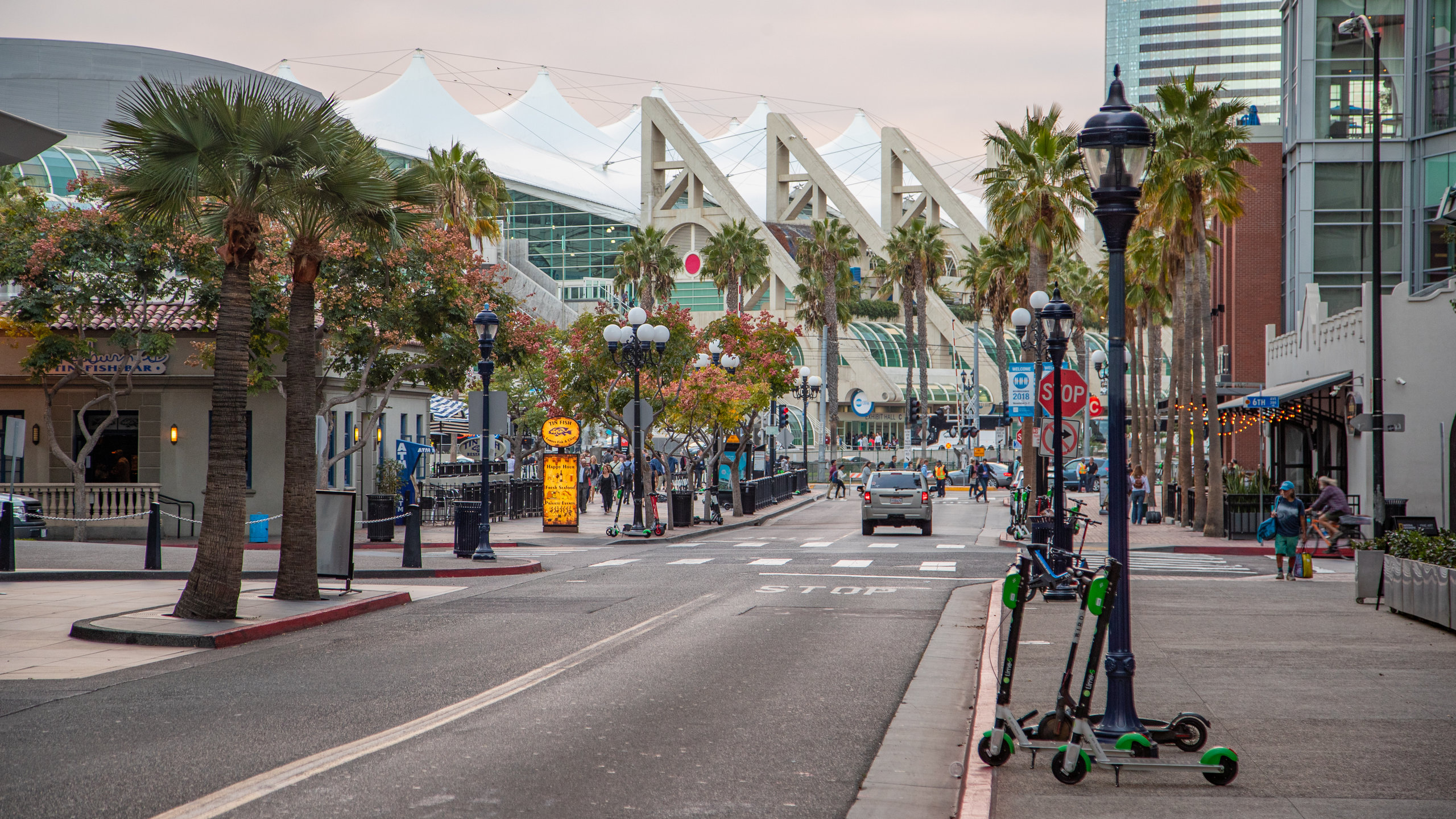 Veja os principais eventos em Centro de Convenções durante a sua viagem a San Diego. Reserve um pouco de tempo para visitar o famoso zoológico na área ou curta os seus ótimos restaurantes.