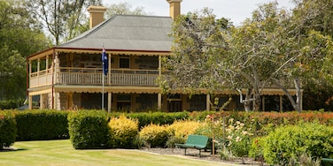 Nuriootpa which includes a garden and a house