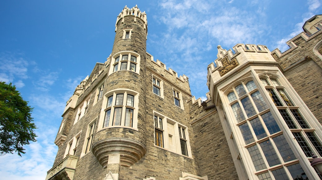 Casa Loma featuring heritage elements, château or palace and heritage architecture