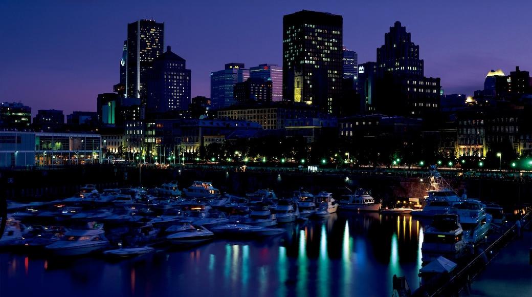 Montréal welches beinhaltet Skyline, bei Nacht und allgemeine Küstenansicht