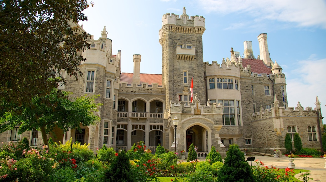 Casa Loma featuring heritage architecture, château or palace and heritage elements