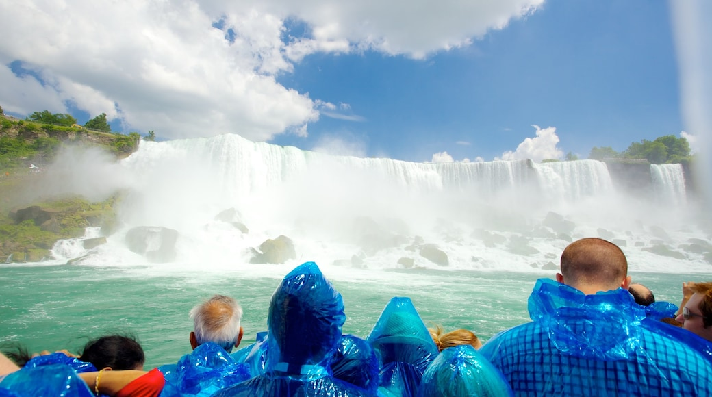 Maid of the Mist which includes views, mist or fog and a cascade