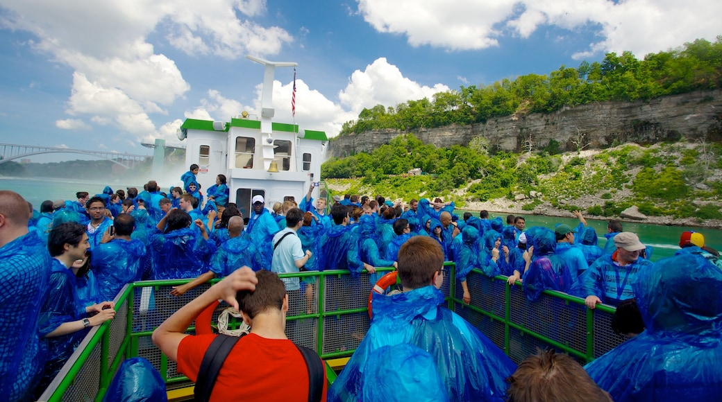 Maid of the Mist showing views as well as a large group of people