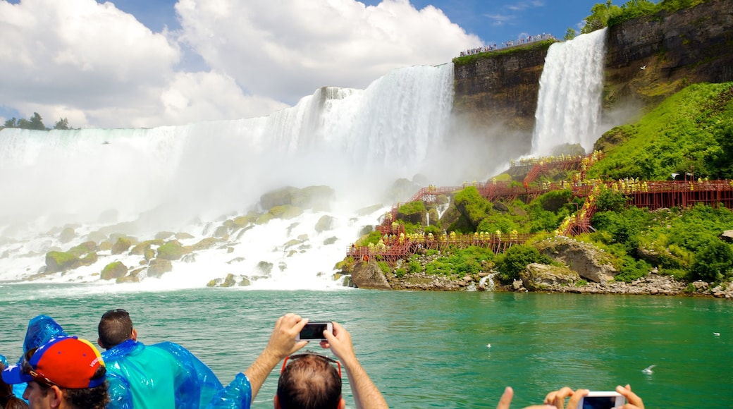 Maid of the Mist featuring a cascade