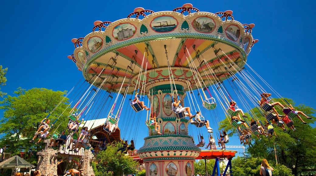 La Ronde六旗樂園 呈现出 遊樂設施