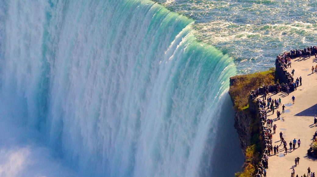馬蹄瀑布 设有 瀑布, 山水美景 和 景觀