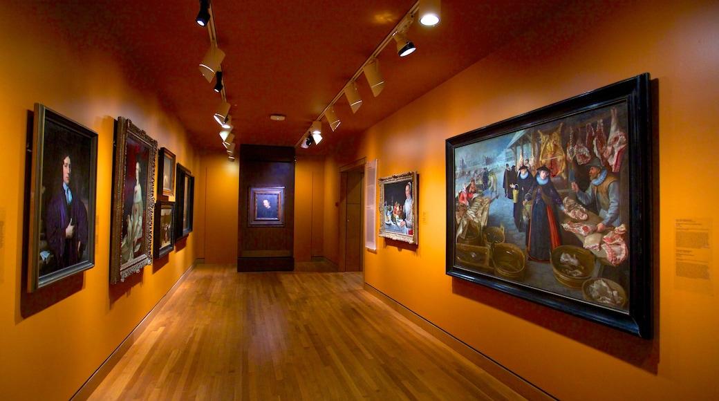 Montreal Museum of Fine Arts que incluye vistas interiores y arte